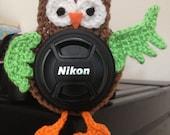 Owl lens buddy - crochet