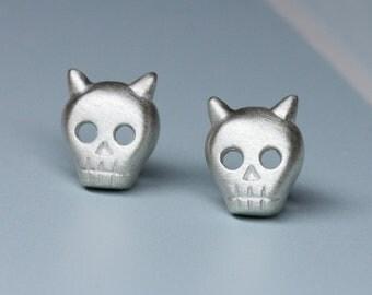 SALE-Ready to ship, Devil skull earrings in sterling silver, skull head earrings post, silver skull stud, gift for her, gift for him