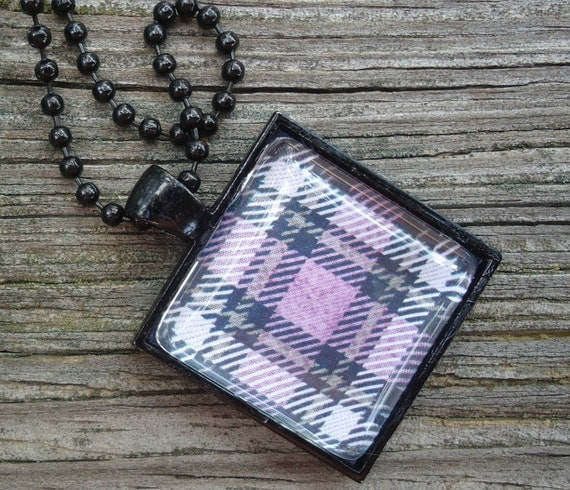 Shades of Purple Plaid with Black Pendant Tray and Chain