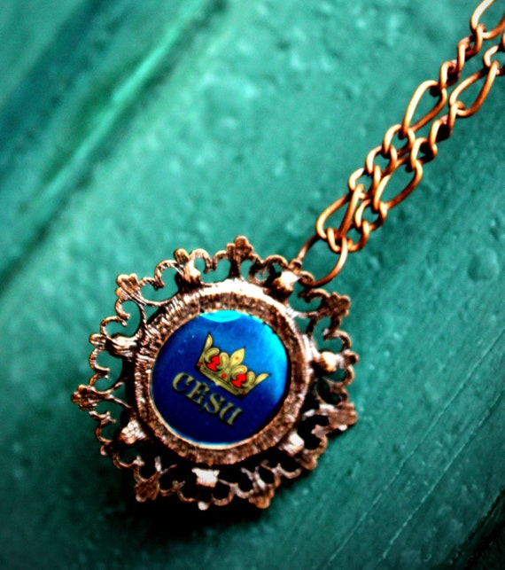 Royal Blue bottle cap necklace / Victorian bronze frame / chic / boho jewelry / dainty / royal chain