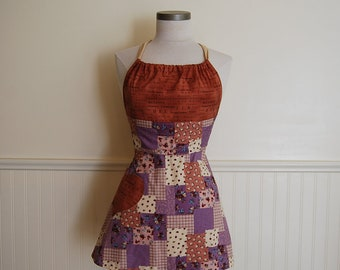 SALE: Adorable Ladies Full Apron with Gathered Bodice