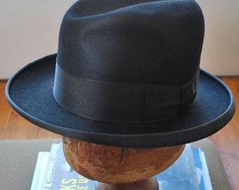 "Rare Vintage BLACK HOMBURG  'Christy""s of London"" Made in England. Wonderful vintage condition. Size 6 3/4 / 54cm"