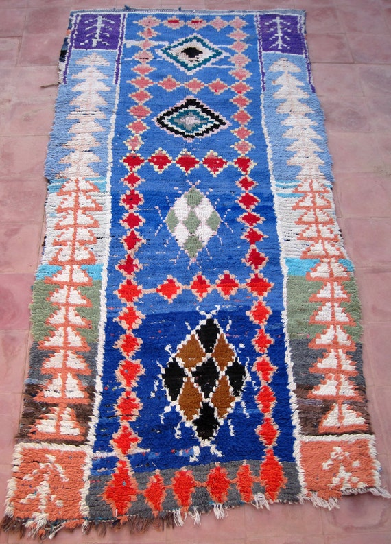 Old  Moroccan rug woven by hand from scraps of fabric / boucherouite / boucherouette