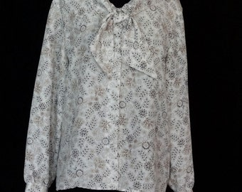 1970s 80s Blouse / White and Black Button up Blouse w Black & Tan Print Ascot Bow / Leslie Fay