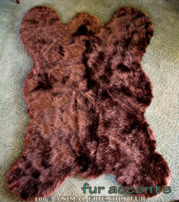 FUR ACCENTS Grizzly Bear Faux Fur Throw Rug / Bear By