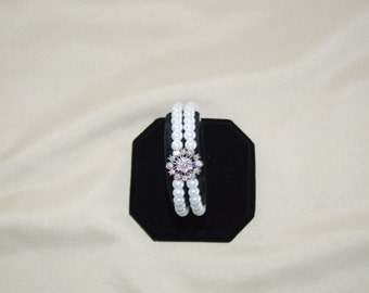 pearl and rhinestone bracelet 0050FB