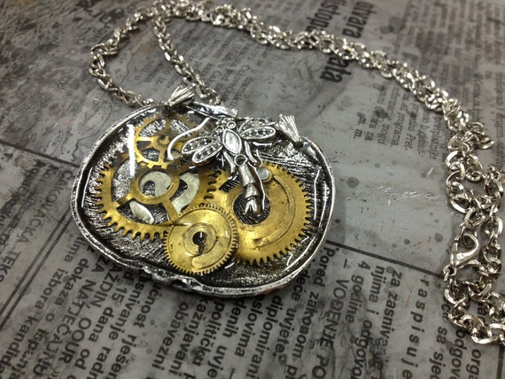 DRAGONFLY in shell Steampunk jewelry -necklace-