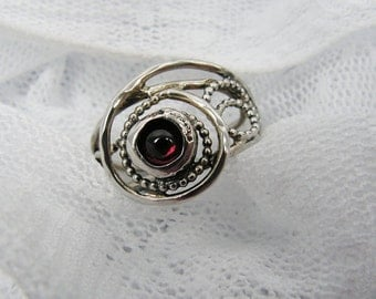 Sterling silver Garnet ring.  Unique design ring. Garnet ring. Garnet silver ring (sr-9909-1387). gift for her, garnet jewelry.