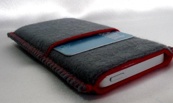 housse en feutrine pour iphone 5 avec emplacement pour cartes de crédit