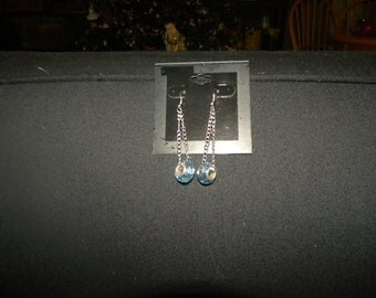 Dangly chain with blue bead earring