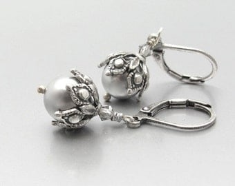 Silver Pearl Earrings, Steampunk Pearl Earrings, Swarovski Crystal, Wedding Jewelry, Bridesmaid Gift, Hawaii Beads