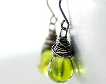 Apple Green Earrings, Dangle Earrings, Spring Jewelry, Gift for Mom, Leaf Green, Nature Jewelry, Jewelry Under 50, Fresh