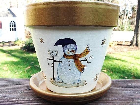 Pot de fleur de bonhomme de neige avec des par - Bonhomme en pot de fleur ...