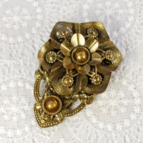 Vintage Dress / Fur Clip, Ornate Layered Gold Daisy Flower, 1950s Mad Men, Floral Nature, Costume Jewelry