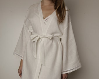 Linen Short Night Gown With Laces at Sleeves and Bottom
