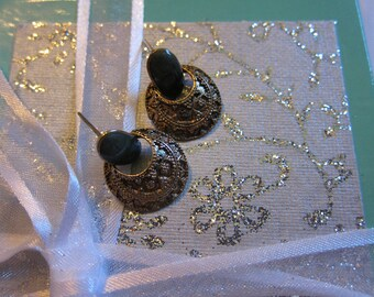 Vintage Round Earrings with Dark Green Stone
