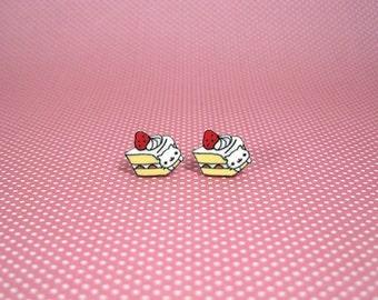 Nyan Nyan Nyanko Cake Small Stud Earrings