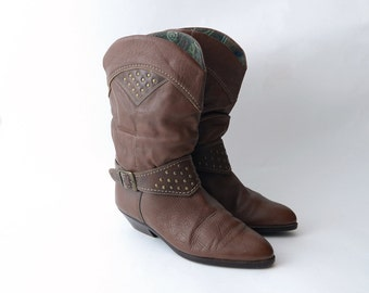 Vintage brown leather studded western boots // booties // boho