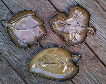 Ceramic Plate Candy Dish for Nuts Hors d' oeuvres Snacks Soap - Leaf Shaped - Hostess Gift Housewarming Gift - Stoneware - Foliage - Leaves