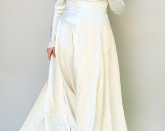 Vintage 1940s Wedding Dress - Love Knot - Liquid Rayon Satin With Cathedral Watteau Train with Bow Detail