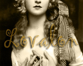 Gorgeous Gypsy Girl... Instant Digital Download... 1920's Vintage Glamour Photography... Vintage Fashion Photo