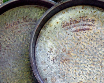 Bake King Cake Pans Vintage Set Of Two 1940s USA Country Bakeware Classics From Maine BakeKing