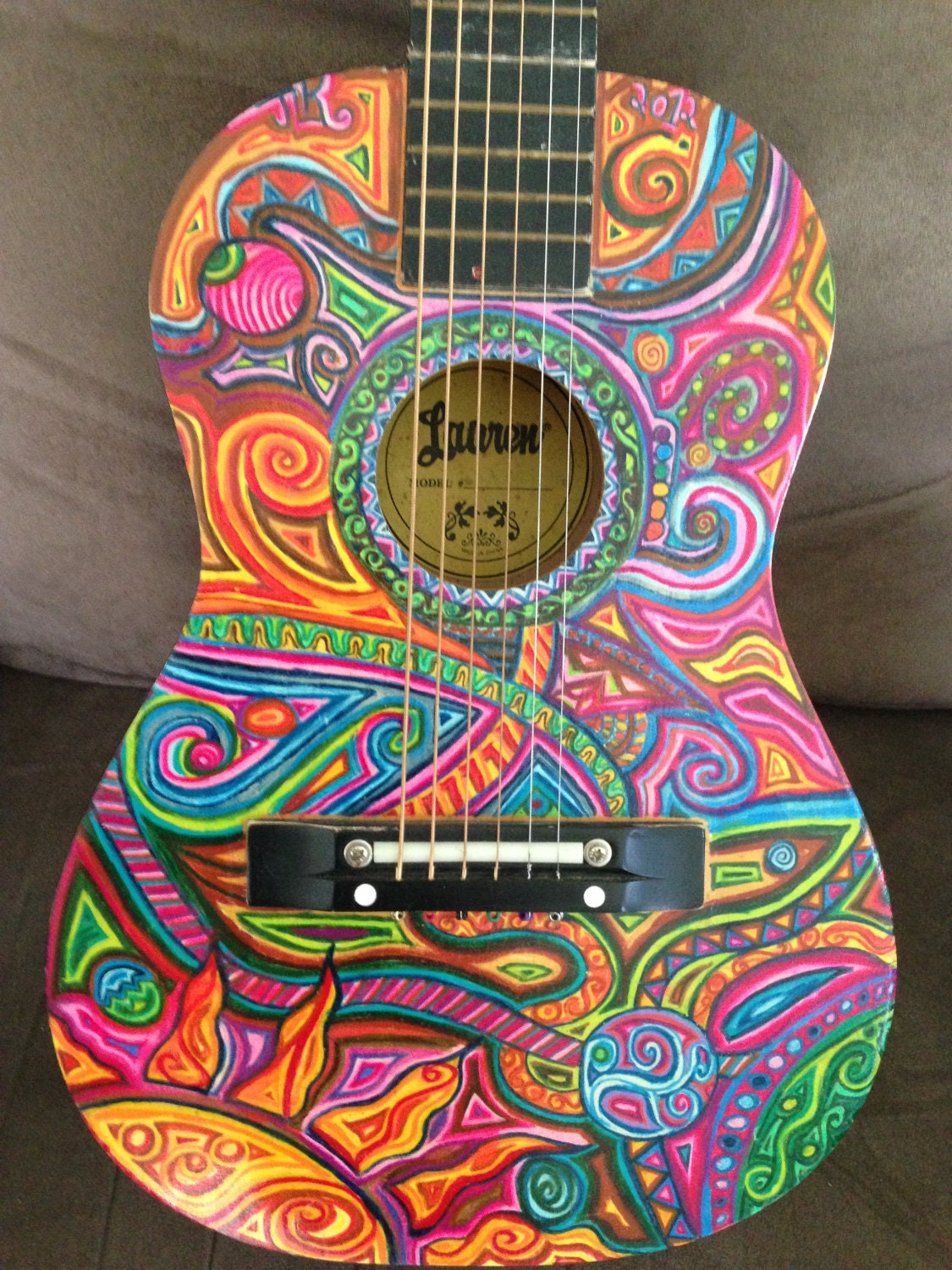 How To Paint A Guitar : hand painted kids guitar ~ Russianpoet.info Haus und Dekorationen