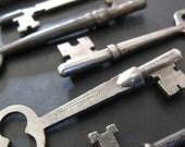 6 Big Vintage and Antique Skeleton Keys - Instant Collection