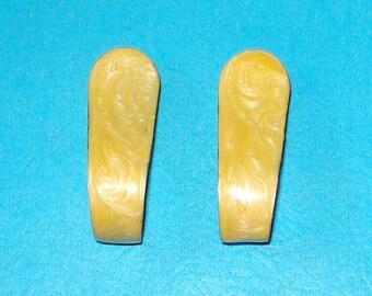 Vintage 1970s Honey Gold Enamel Loop Earrings