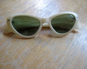 white 1950s-1960s original CAT's EYE sunglasses, Polaroid Cool Ray, model 120