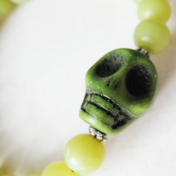 Green Jade Stretch Bracelet - Olive Skull