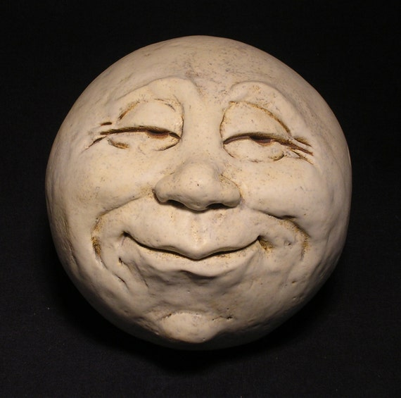 Man-in-the-Moon Garden Head, Antique White Eggshell