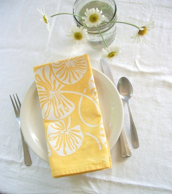 waterlily dinner napkins. made to order