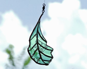 Reclaimed Green Glass Oak Leaf - Green Recycled Glass Gift  - Unique Nature Inspired Leaf