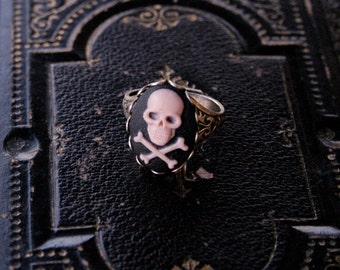 Skull Ring- Choose a color
