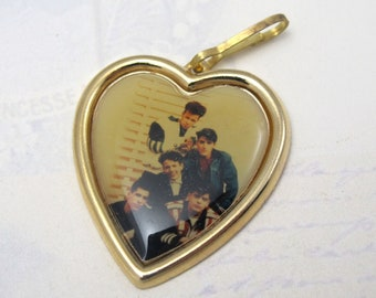 Vintage Enamel New Kids On The Block Photograph Heart Pendants (2X) (P570)