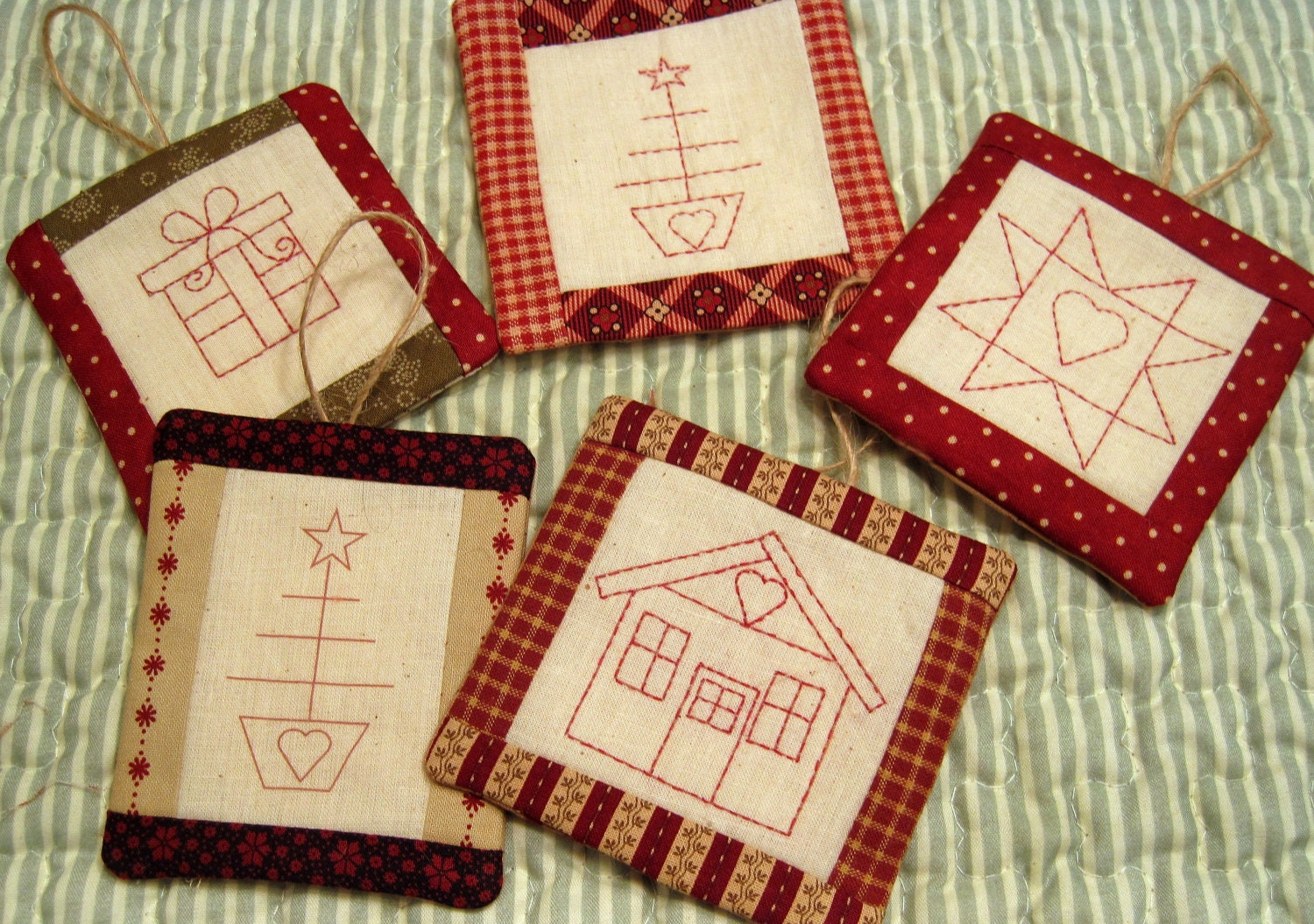 Embroidered christmas ornaments - Pattern For 4 Embroidered Christmas Ornaments