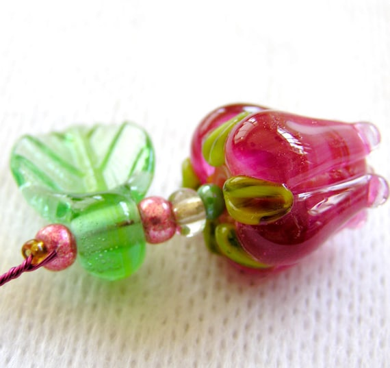 Handmade one BIG focal fuchsia over pink tulip withe one leaf and spacer - pendant