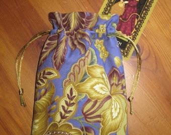 Romantic Floral Print Padded Tarot Bag