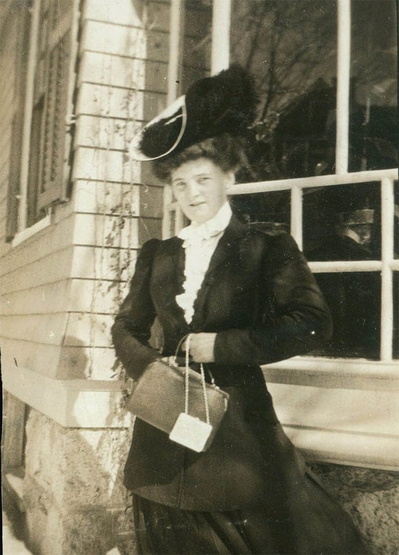 vintage photo 1903 May with her Purse and Fancy hat and coat