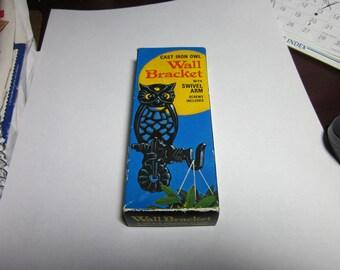 Vintage Cast Iron  OWL Wall Bracket Hoot Hoot