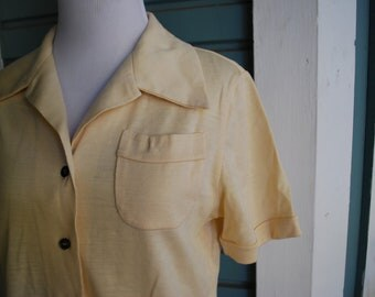 Vintage 1960's  Italian made wool collared retro shirt. SIZE M