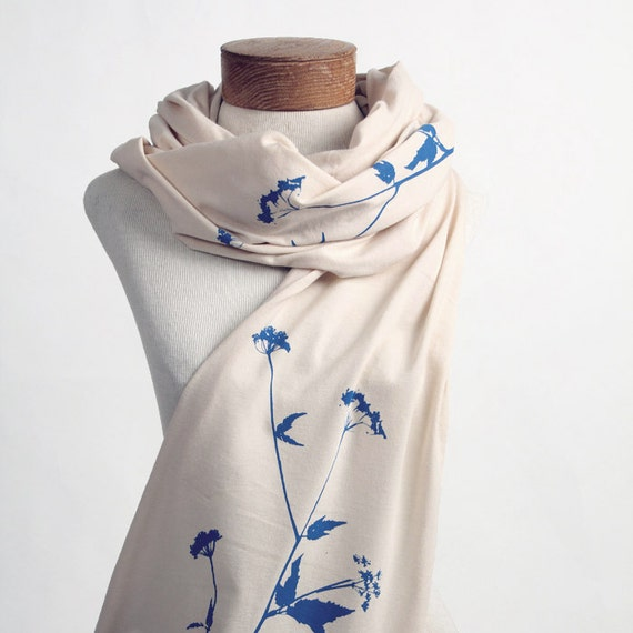 Queen Anne's Lace Jersey Cotton Scarf (Creme / Blue Ink)