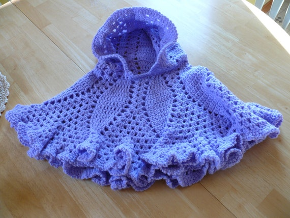 Free Crochet Pattern For Hooded Baby Poncho ~ Traitoro for .