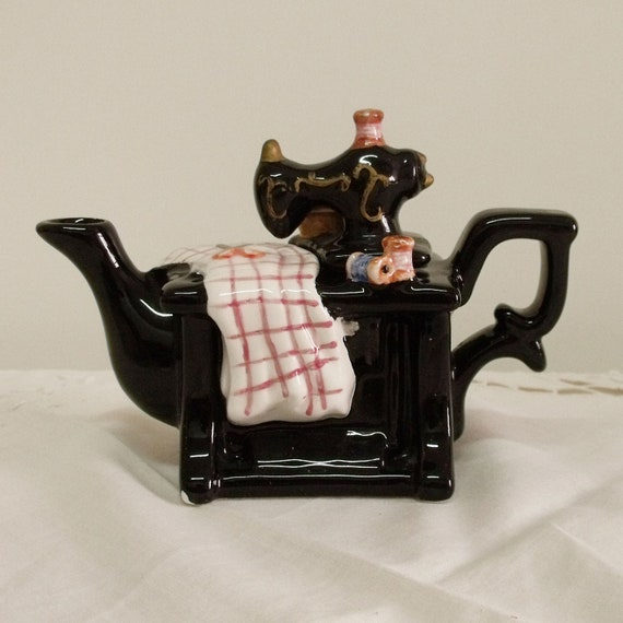 Vintage Small SEWING Machine Tea Pot For Home Decor Collect