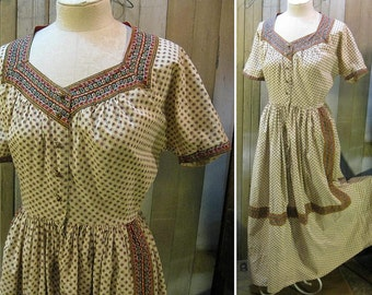 Vintage 40s Dress vintage Dressing Gown Folklore Border calico Brass buttons Housedress cotton robe  M