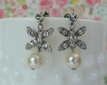 Beautiful Rhinestone and Pearl Dangle Earrings - Perfect for weddings, special occasions and a great gift