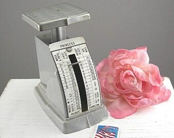 1953 Postal Scale - Office Decor - Pelouze Evanstan - Princess Model - Gray Plastic - Photo Prop - Post Office - Letter Weight