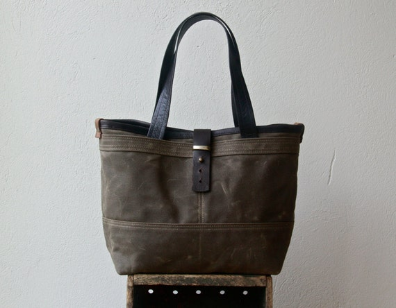 "special price - ships today in waxed canvas - 1910 CLASSIC TOTE  -  medium - waxed canvas tote - 13"" laptop pocket"