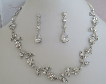 Bridal Jewelry - Bride Necklace - Bridesmaid Necklace - Rhinestone and Pearl Floral Bridal Jewely Set